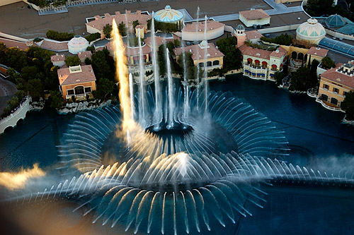 Bellagio-Fountains-from-Eiffel-2-03